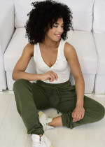 Kilka pomysłów na stylizacje z dresowymi spodniami
