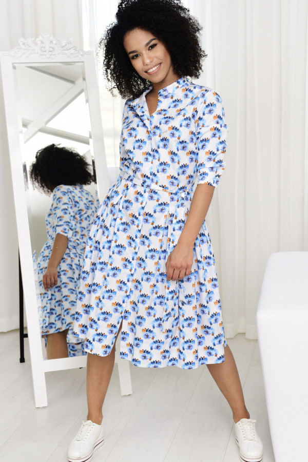 Sukienka JULIA biała w niebieskie kwiaty 002