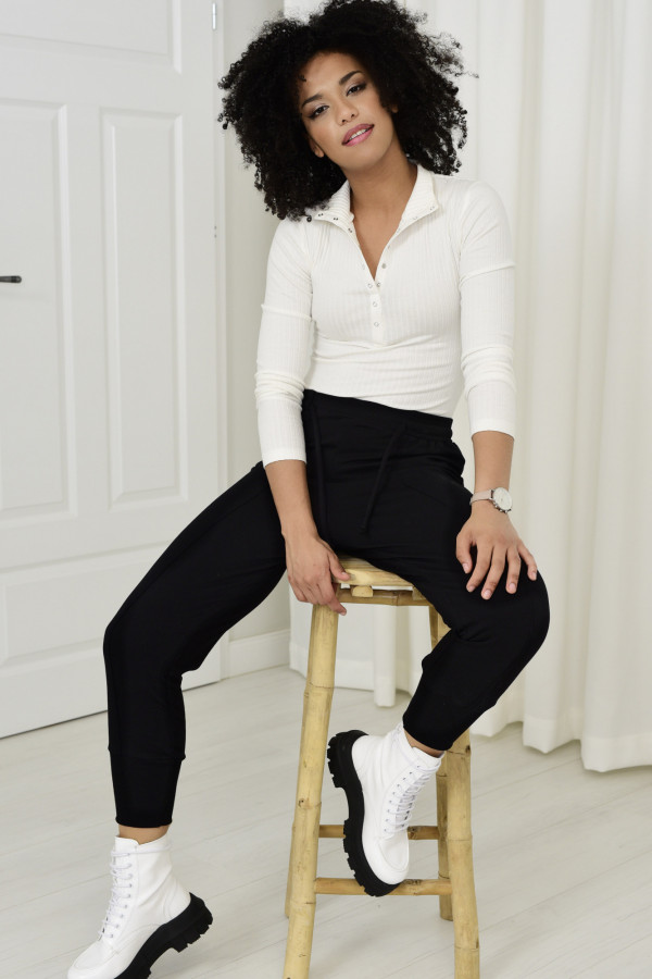 Spodnie dresowe Everly czarne 033